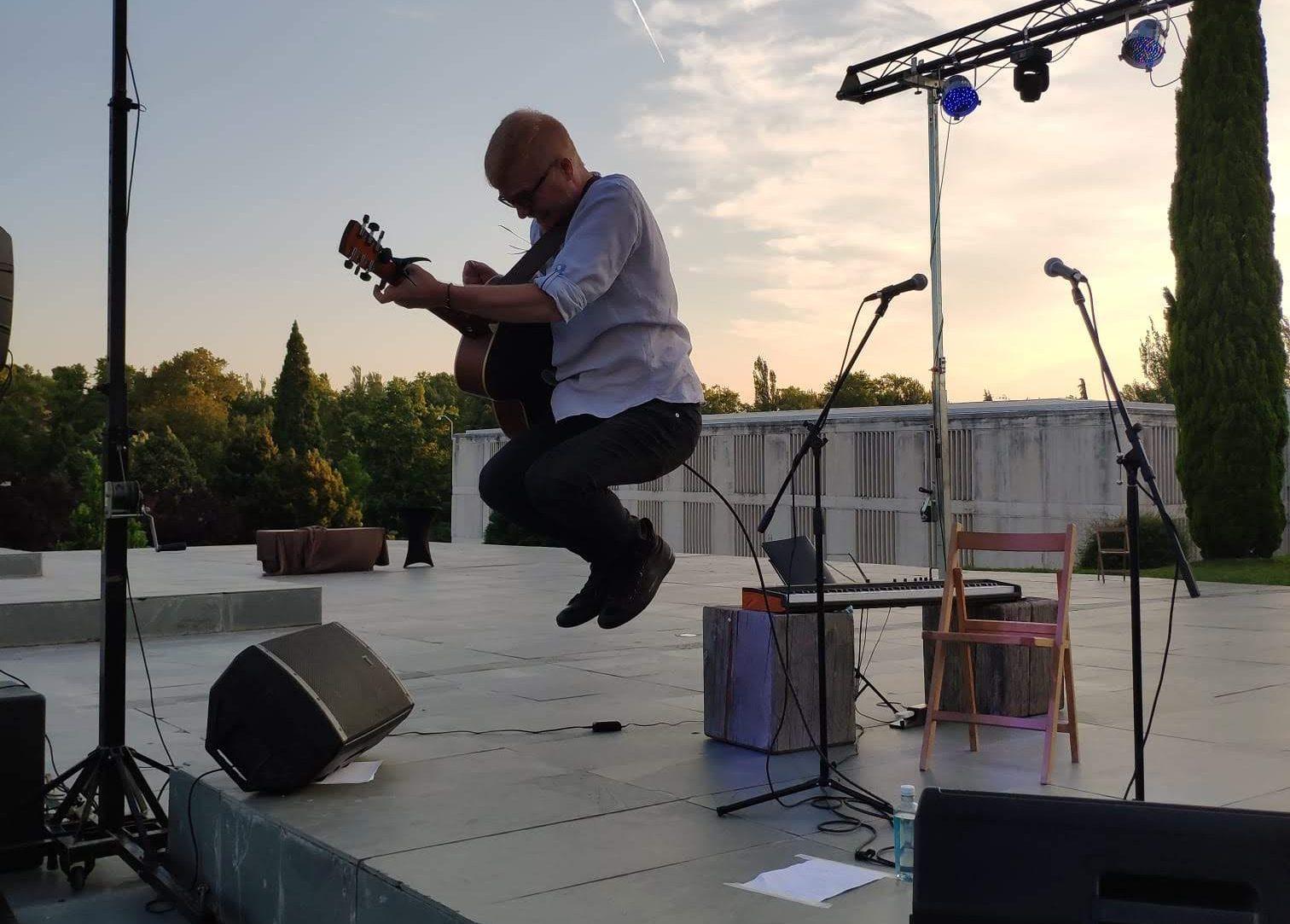 Miguel Dantart actuando en Pamplona